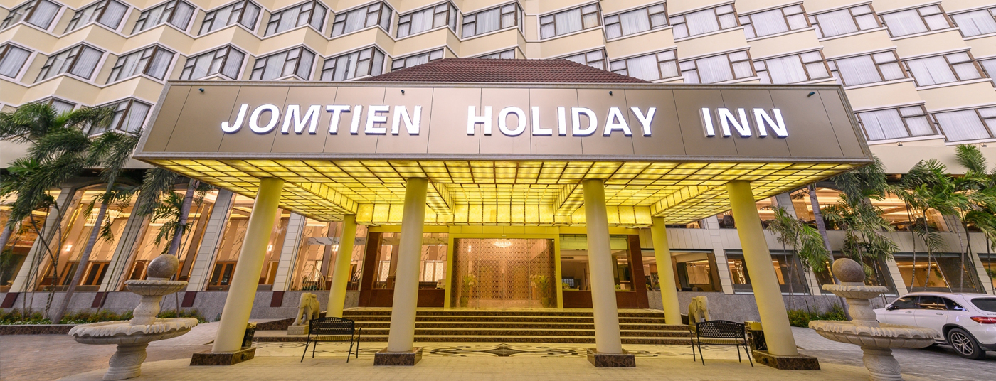 BEST AND THE MOST LUXURIOUS OF SERVICES JOMTIEN HOLIDAY INN PATTAYA